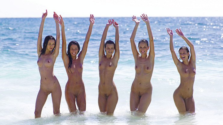5 Naked Girls in the Surf